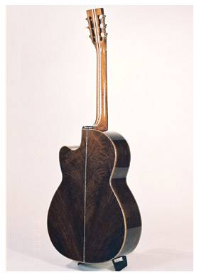 000-2b-Guitar-Luthier-LuthierDB-Image-3
