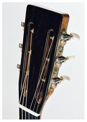 000-4b-Guitar-Luthier-LuthierDB-Image-5