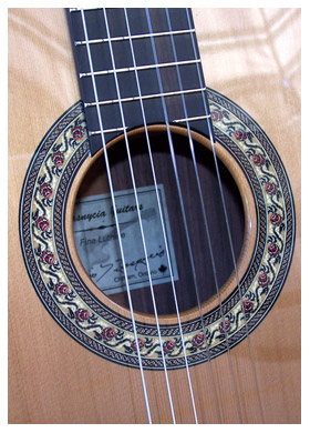 classical4b-Guitar-Luthier-LuthierDB-Image-1
