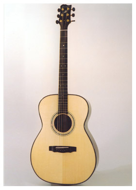 small-concert2b-Guitar-Luthier-LuthierDB-Image-7